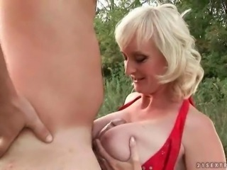 The hot grannie sex movies kerr having